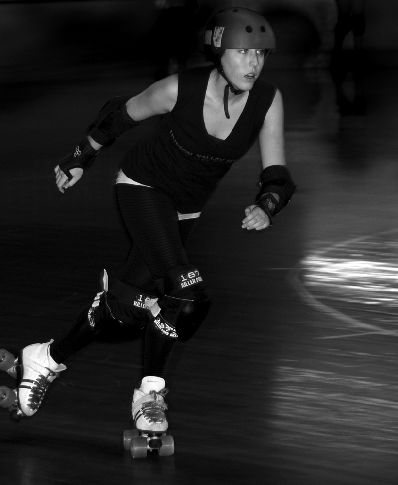 Rough Gem roller derby action shot