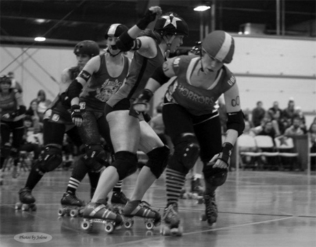 Whiskey Lullabye in action on the roller derby track